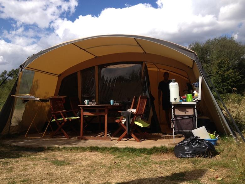 Een broodbuik op de camping