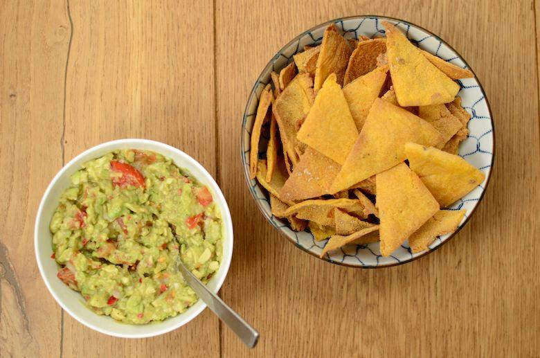Zelfgemaakte tortilla chips zonder olie