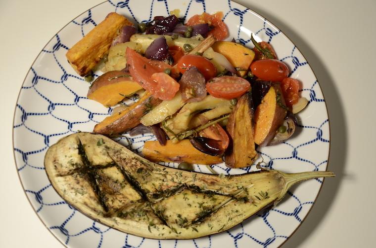 zoete aardappel, pastinaak, ui en tomaat uit de oven