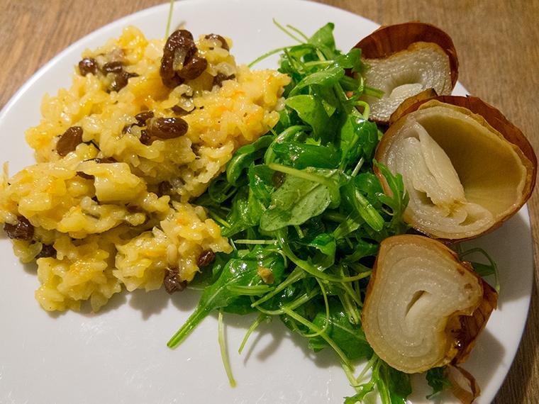 Recept: vegan risotto met sinaasappel en rozijnen