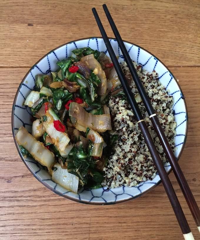 Geroerbakte snijbiet met quinoa