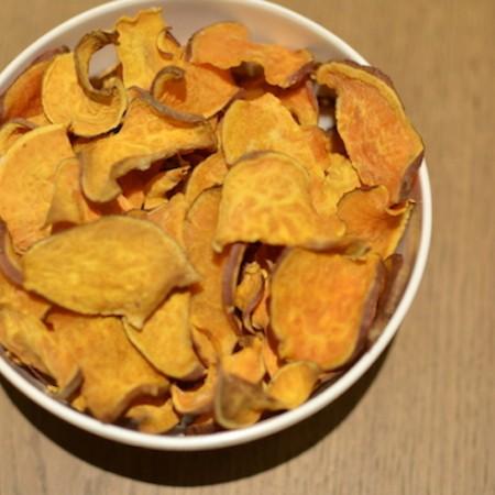 zelfgemaakte zoete aardappel chips
