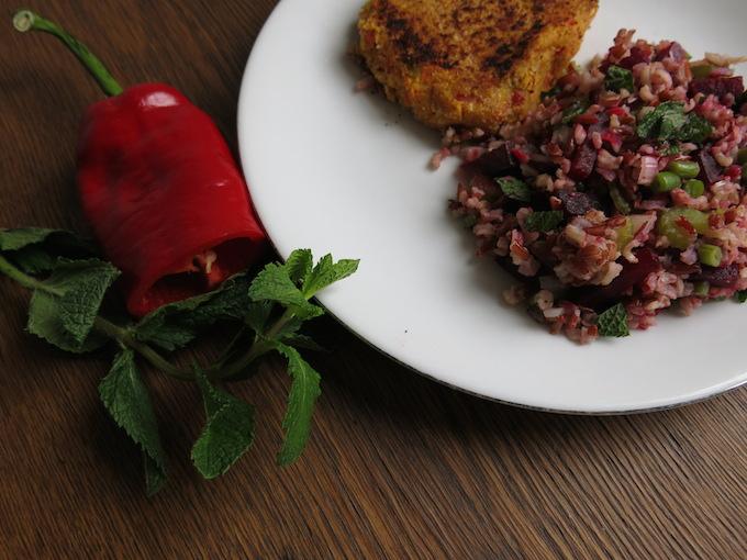 Salade met rode rijst