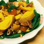 Quinoa met flespompoen en raw spinazie
